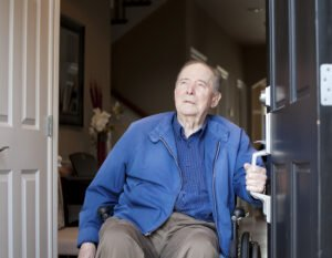 Senior Housing in Alamo Heights TX: 4 Lessons Seniors Learn About Life at Home with Limited Mobility